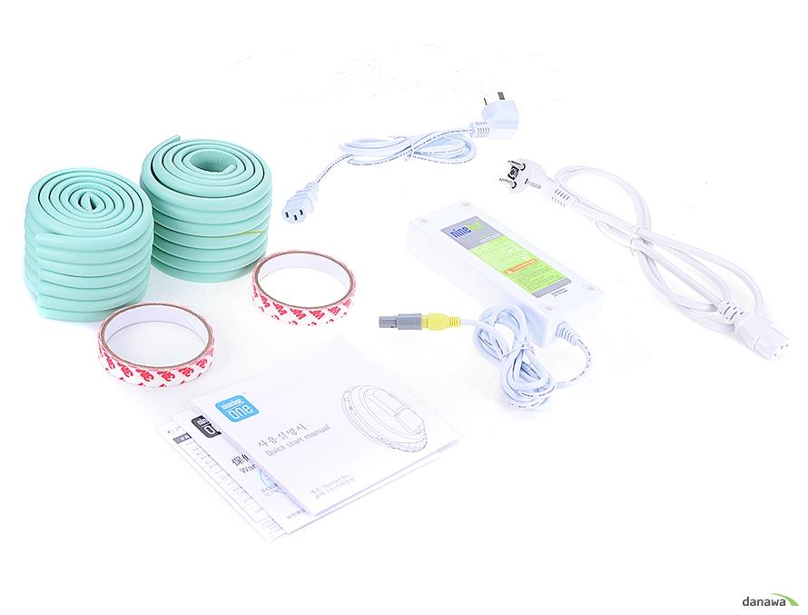 충전기 +파워 케이블 2개 / 케이스커버 보호 스펀지 / 사용설명서 + 품질보증서